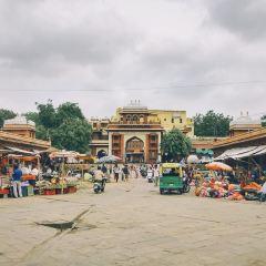 Sadar市場用戶圖片
