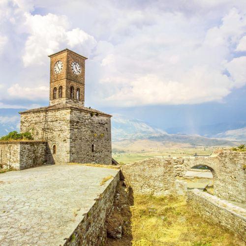 吉諾卡斯特城堡