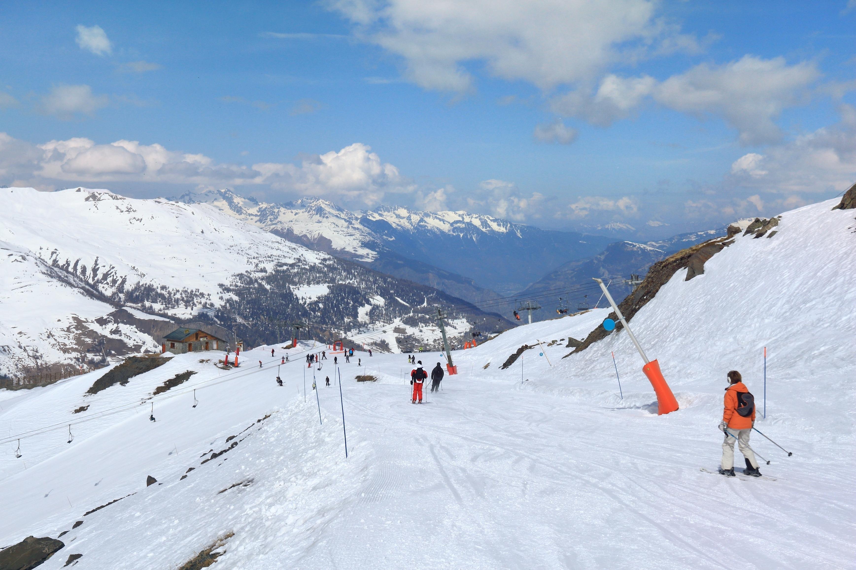 松鳴岩國際滑雪場