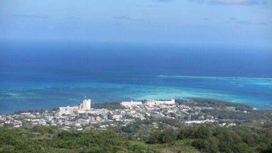 这里的景色真是无与伦比!基本上可以360度全方位观看塞班岛的