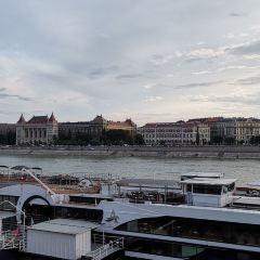 布達佩斯自由廣場用戶圖片
