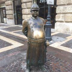 太ったおまわりさん像のユーザー投稿写真