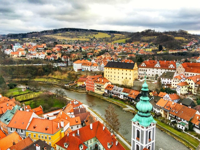 To Make a Difference, Please Come to The Minority Scenic Spots in Prague.