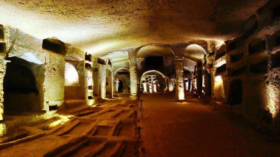聖熱內羅地下墓穴