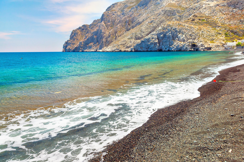 卡馬利黑沙灘