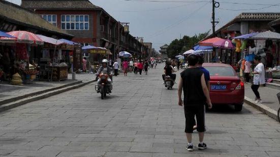 明代一条街就是古城里的延辉街,是国家重点文物保护单位,明代祖