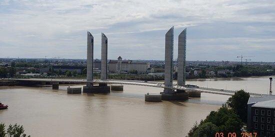 Jacques Chaban-Delmas Bridge