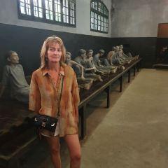 Hoa Lo Prison User Photo