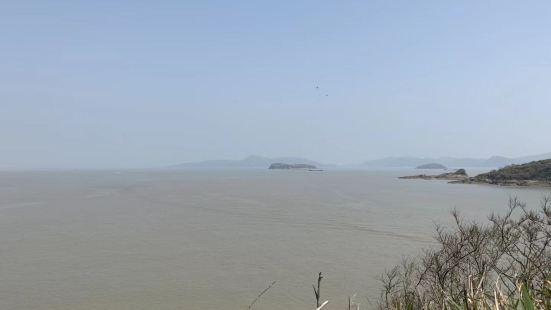 石浦镇为中国历史文化名镇、全国六大中心渔港之一、国家二类开放