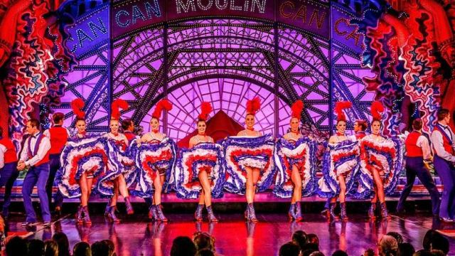 A Concise Guide to the Moulin Rouge, Paris