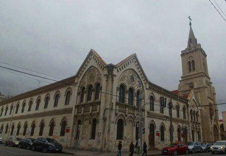 教堂經過了改建,但沒有改建,這是舊的SSCC學校,後來被遷至