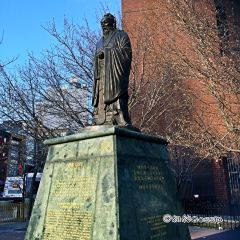 Statue of Confucius User Photo