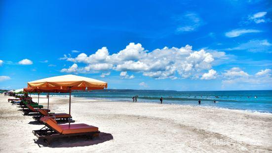 Labuan Sirait海灘