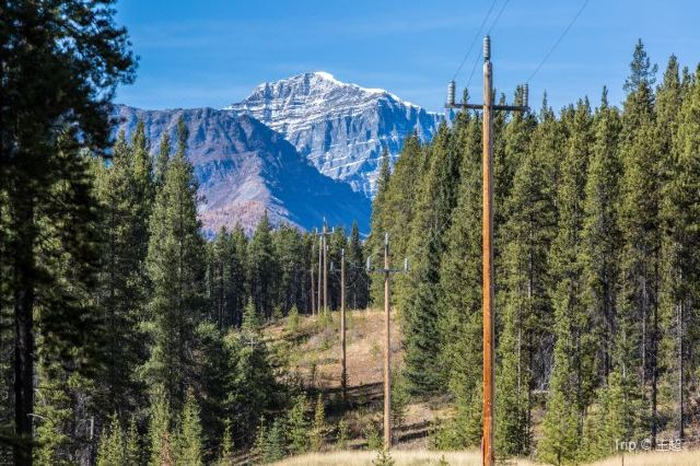 Enjoy a Great Hike in Banff Johnston Canyon