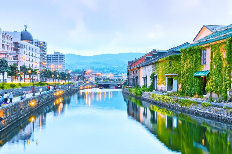 A Complete Guide of Otaru (Where to Eat, Drink and Play)