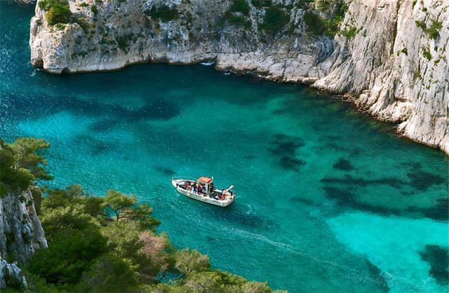 Exploring France's Calanques National Park