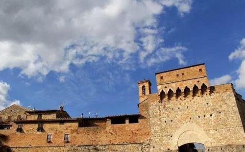 古城是锡耶纳的最古老的宝贵的财富,很喜欢在这里参观和游玩,整