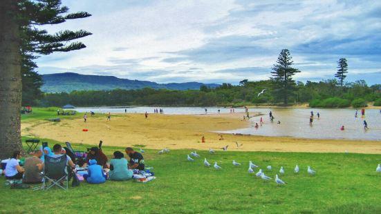 这是位于卧龙岗北边的一片海滩。个人感觉其实景色挺一般的,类似
