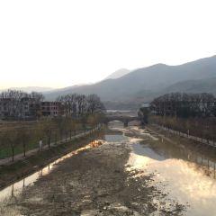 Yunlong Bridge User Photo