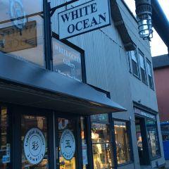 White Ocean Gallery User Photo