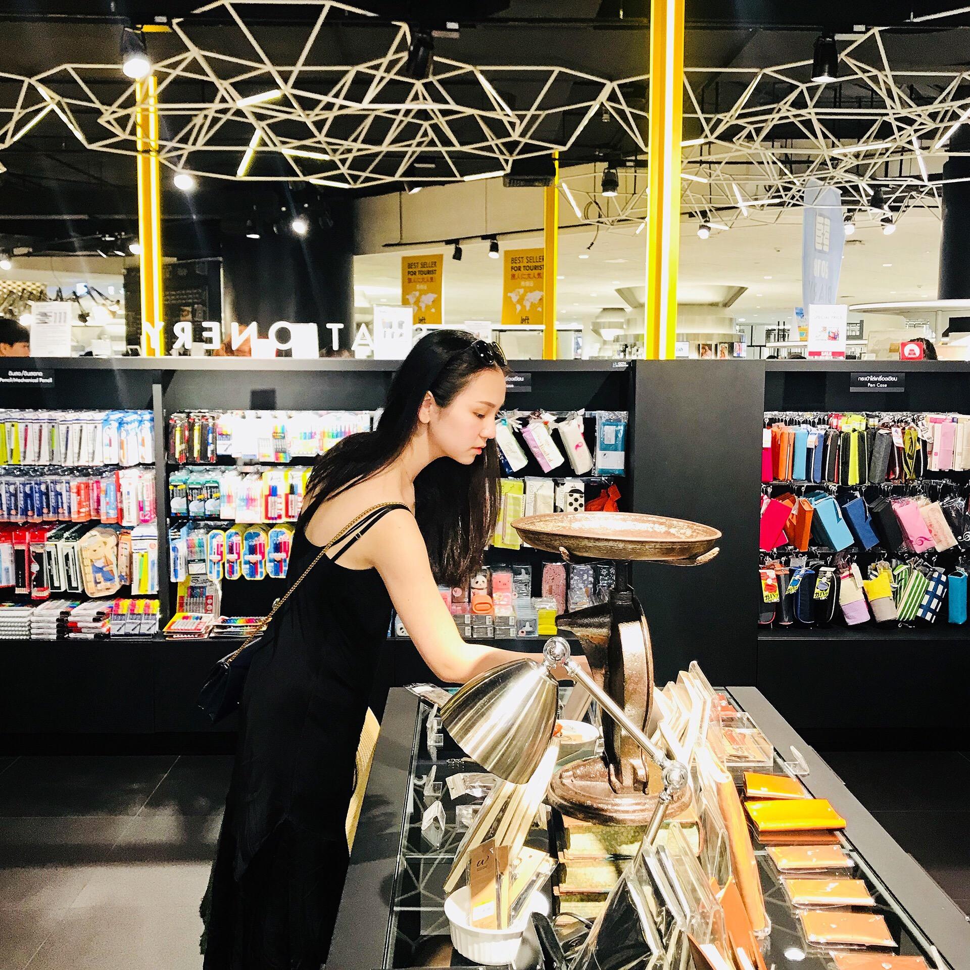 pen center shoe stores