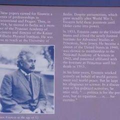 Albert Einstein Memorial User Photo