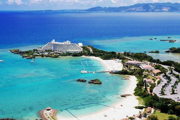 Enjoy the Beautiful Emerald Sea, and 7 Special Resort Hotels in Okinawa