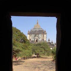 Nat Hlaung Kyaung User Photo