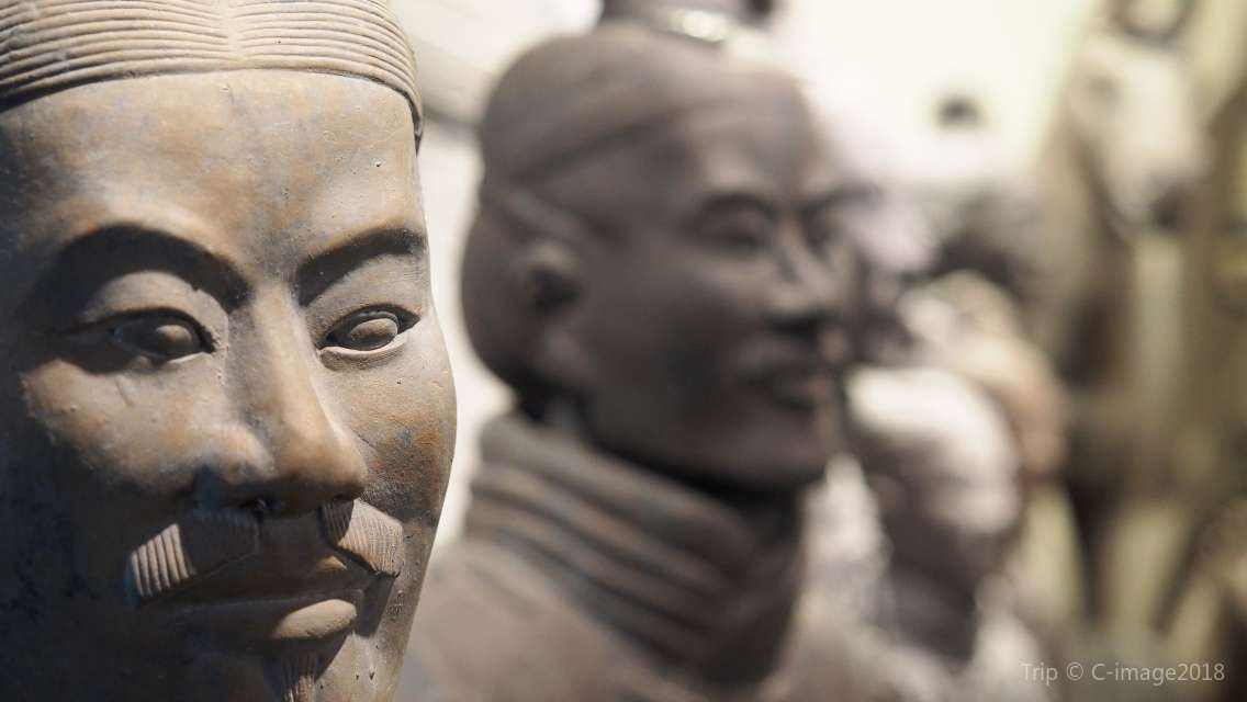2 Days Xi'an Sightseeing All-Inclusive Private Tour of Terracotta Warriors, City Wall and Giant Pagoda