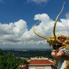 Wat Tham Khao Rup Chang User Photo