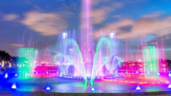 Binhu Square