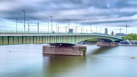 道伊澤爾大橋
