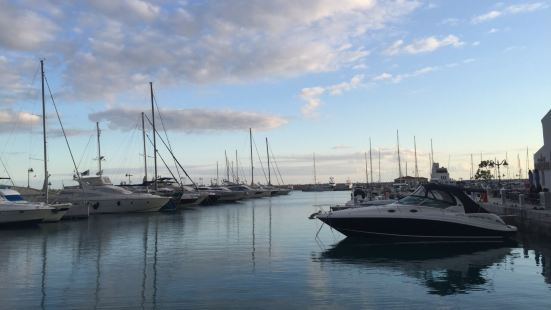 塞浦路斯的新天地,结合顶级豪宅的综合旅游购物就餐地
