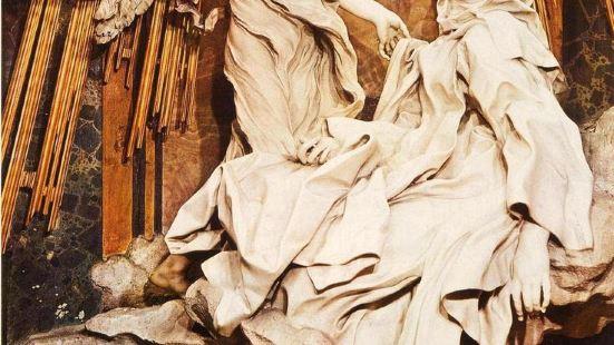 聖德蘭的迷狂雕像