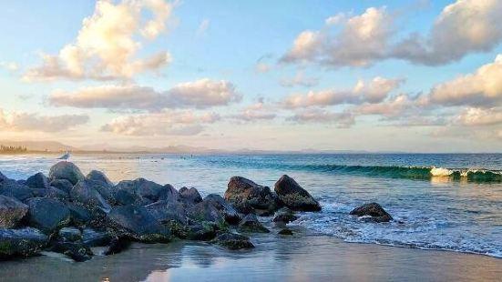 Byron Bay是一个以beach和lighthouse闻