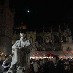 Statue of Richard Hooker User Photo