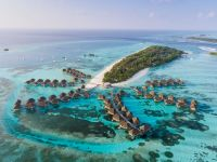 Maldives: Clear Blue Waters and Unforgettable Memories
