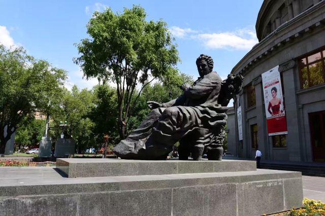 葉里溫共和國廣場