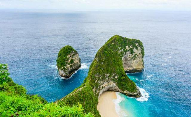 努沙伯尼達島