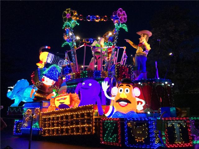 The Best Things You Shouldn't Miss at Disneyland