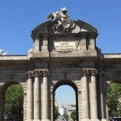 Puerta de Alcalá User Photo