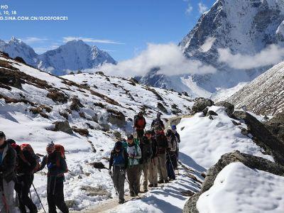 白喜馬拉雅山艱苦跋涉和遠征