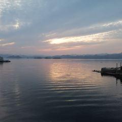 Deep Tour through Thousand Island Lake User Photo