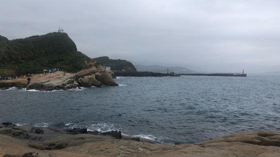 風景優美。建議平日才去,假日太多人,很難拍到美美的照片。下雨