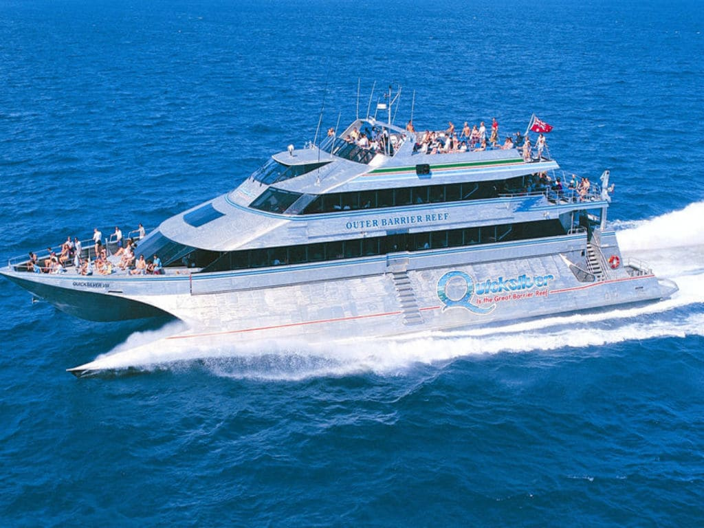 Port Stephens Day Tour from Sydney with Transfer, Dolphin Cruise & Sandboarding