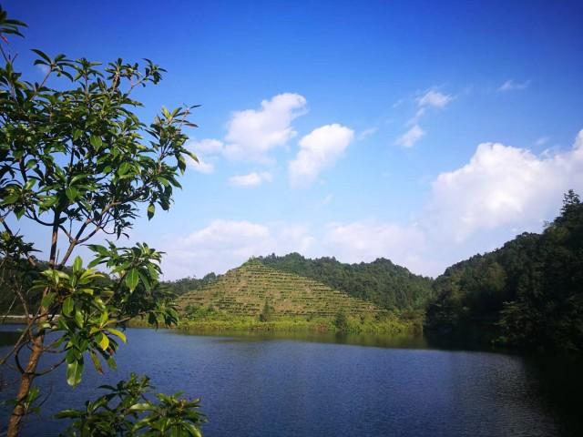 Dabeishan Forest Park Jingming Holiday Resort
