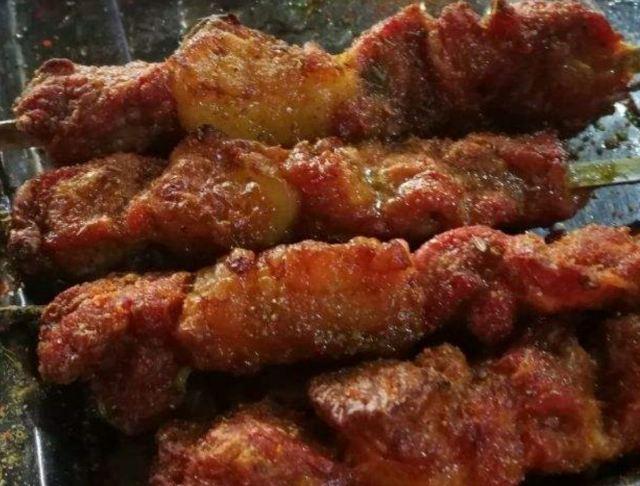 大漠奇香饢坑肉