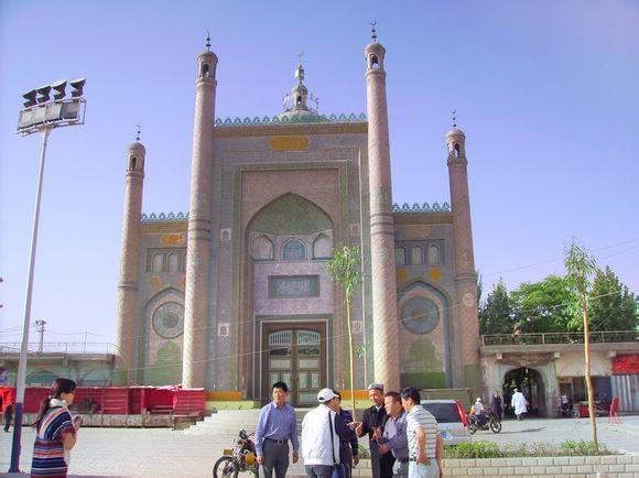 加滿清真寺