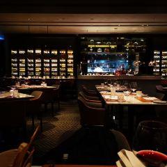 Orbit 360° Dining User Photo