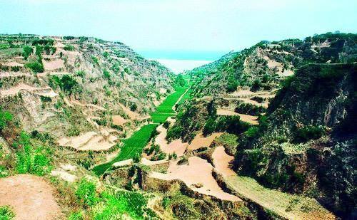 漢霸二王城